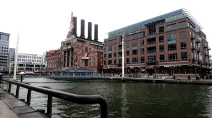 Hard Rock und Buchladen: Baltimore kann auch normal