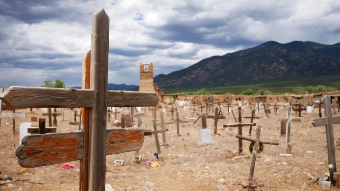 Und natürlich gibt es auch einen echten Indianerfriedhof!